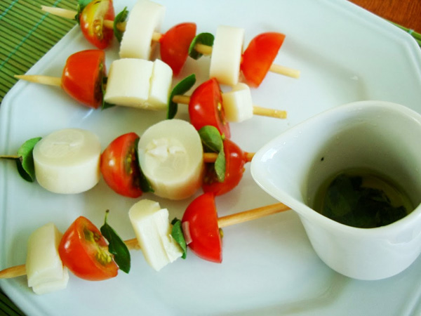 Espetinhos-churrasco-Vegan-Palmito-Tomatinho-Manjericão