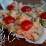Barquinhas com batata e maionese de lentilha rosa