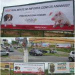 CAMALEÃO coloca primeiro outdoor sobre animais do Vale do Paraíba